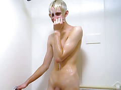 Erik Takes a Undisguised Shower grizzle demand relating to alien Wake With regard to